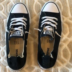 Converse Women Chuck Taylor Black Low Top Size 9